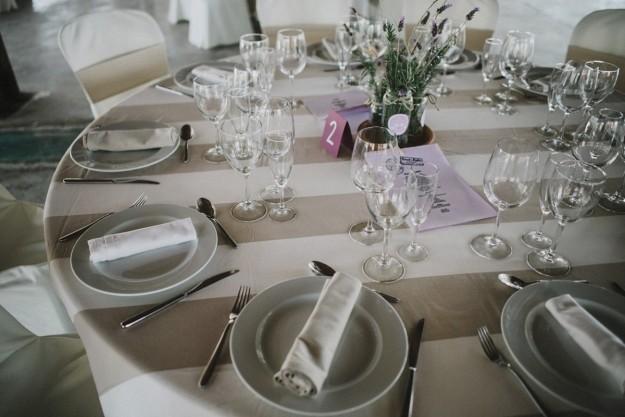 Las mesas, decoradas personalmente por Karol y por Pablo, no estaban asignadas.