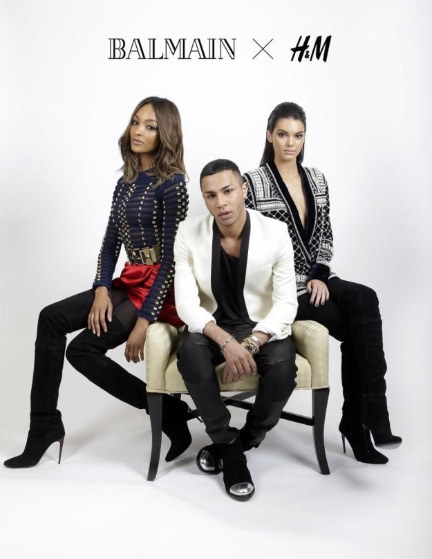 Jourdan Dunn y Kendall Jenner, modelos y amigas de Olivier Rousteing, diseñador de Balmain, en el centro. Las prendas son un avance de la colaboración de la casa francesa con H&M.