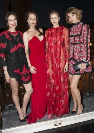 Leila Yavari, Julie Brangstrup, Elena Perminova y Arizona Muse