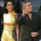 Amal Clooney y John Galliano: el interés detrás de la amistad
