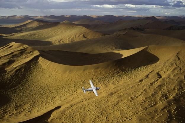 Desierto en avioneta.