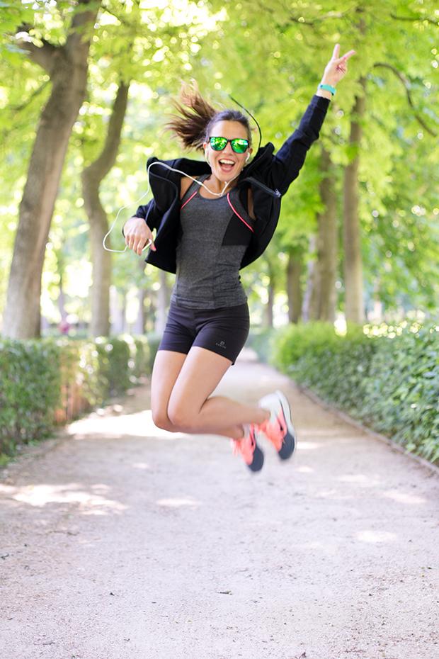 Paula Ordovás, autora del blog Mypeeptoes cambia los tacones por las zapartillas de deporte