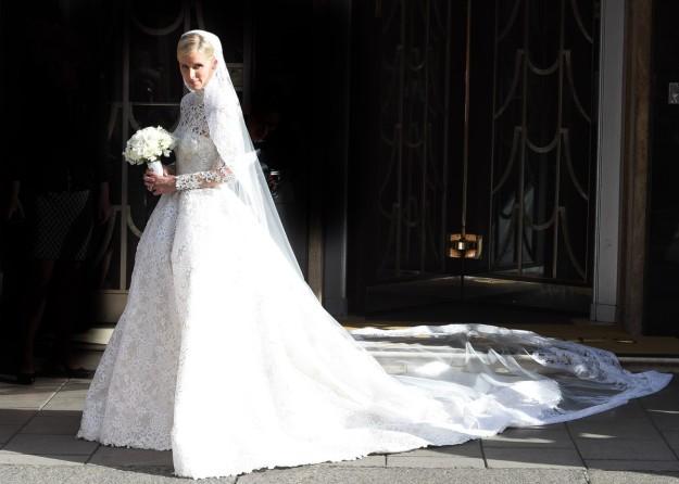 El vestido de Nicky era una creación exclusiva de Valentino Alta Costura, valorado en más de 65.000 euros.