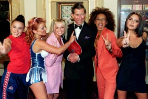 Con el príncipe Carlos de Inglaterra. En septiembre de 1997, cuando recogieron el premio a mejor videoclip en los MTV Video Music Awards dedicaron el triunfo a Diana de Gales, que había muerto el mes anterior.