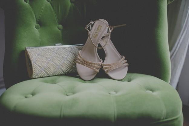 Vicky eligió unas sandalias de Bibi Lou y clutch joya vintage.