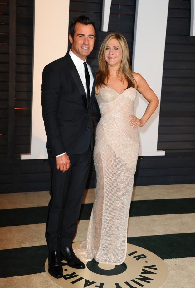 Jennifer Aniston y Justin Theroux en la fiesta post Oscar.