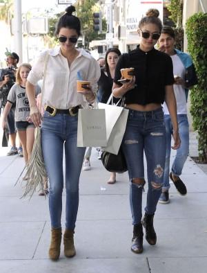 Kendall y Gigi, precursoras del nuevo estilo models off duty.