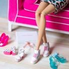 Barbie se despide de los tacones y se pasa a las bailarinas made in Spain