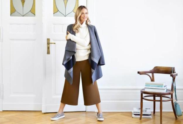 Martina Klein posa con prendas de la e-shop para crear looks inspirados en las tendencias que triunfan esta temporada.