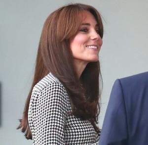 Kate Middleton sorprende con un nuevo corte de pelo con flequillo
