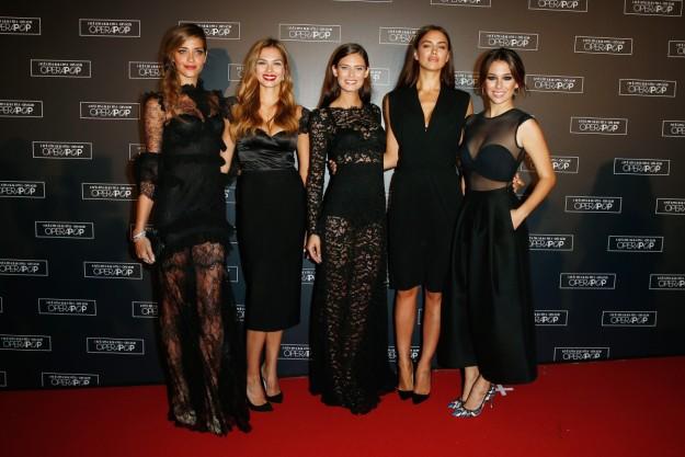 Blanca posa con Irina Shayk, Bianca Balti y Ana Beatriz Barros en un evento de Intimissimi, firma de la que es imagen, en 2014 en Verona.