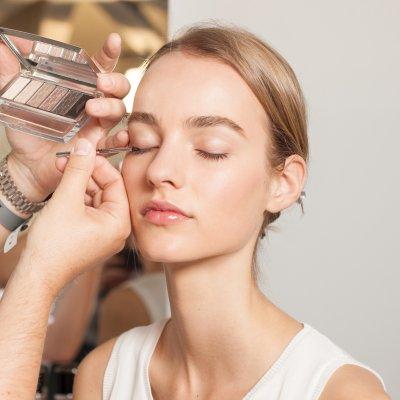 Cómo elegir el mejor eyeliner para tu color de ojos
