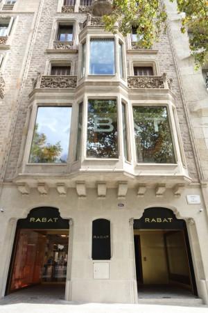 La fachada de la nueva tienda de Rabat en el Paseo de Gracia de Barcelona.