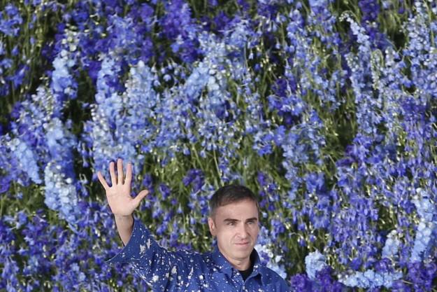 Raf Simons al final de su último desfile para Dior el pasado octubre.