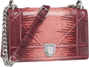 El bolso Diorama, uno de los superventas de Dior durante la dirección creativa de Raf Simons.
