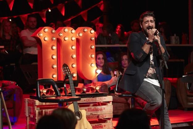 Antonio Orozco durante su concierto en el ciclo Cómplices de Mahou.