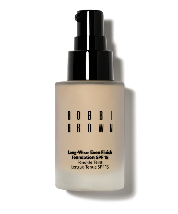 Long Wear Foundation Even Finish Foundation SPF 15 de Bobbi Brown.