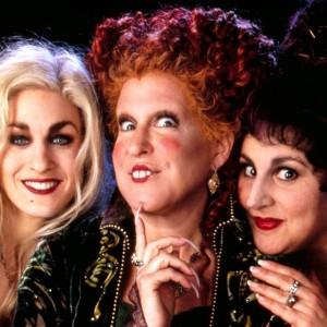 Las hermanas Sanderson, las brujas de Hocus Pocus (1993), El retorno de las brujas en España.
