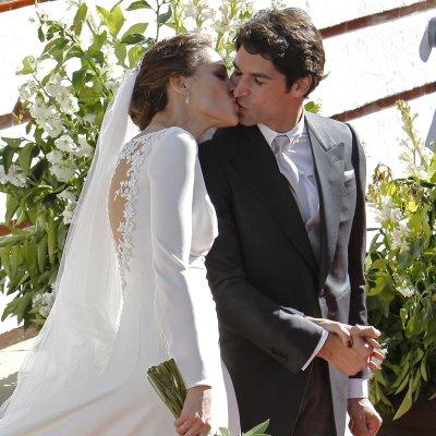 eva gonzález: su boda, y los detalles de su vestido | telva