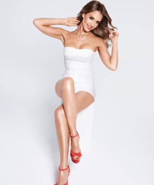 Jessica Alba, nueva embajadora de la depiladora Silk epil 9 de Braun.
