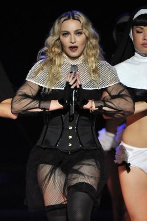 Madonna en un momento de su actual gira, Rebel Heart Tour.