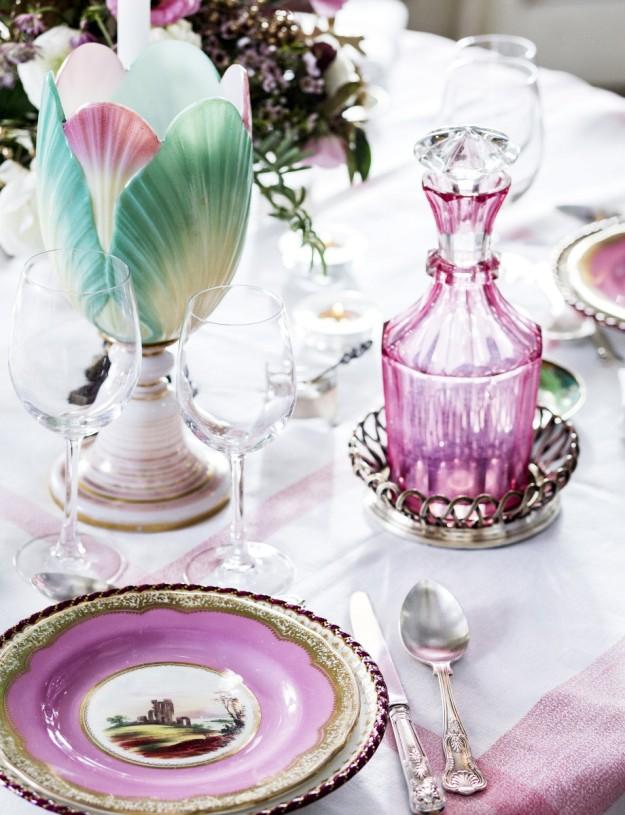 mesa bonita en rosa