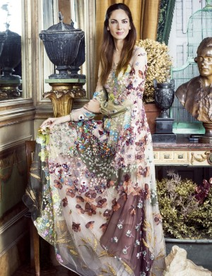 Eugenia Silva con un espectacular vestido de Valentino.
