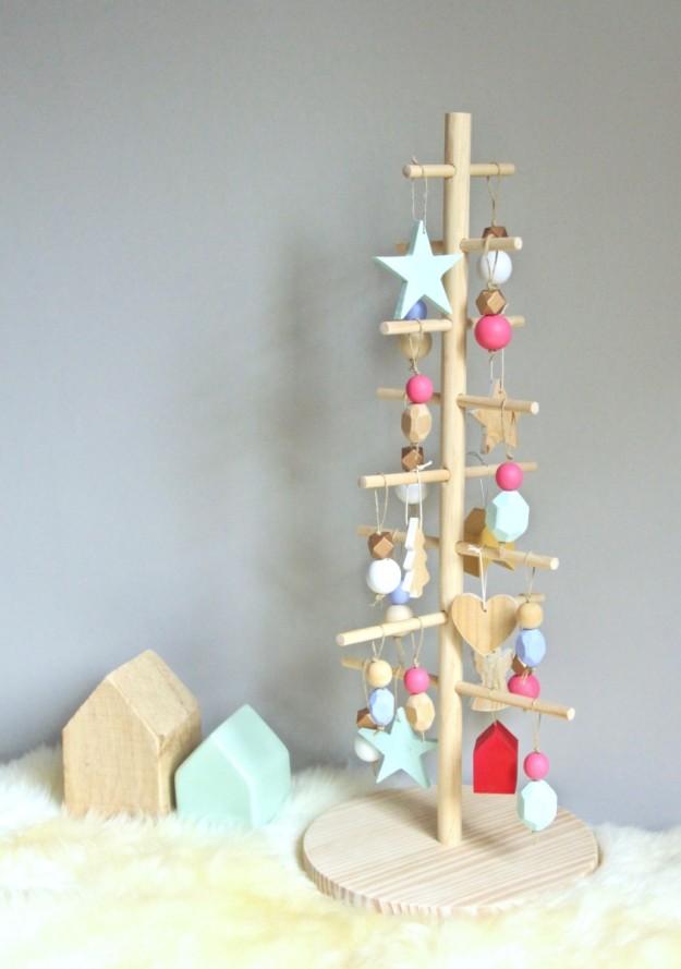 ¡Aquí tienes el resultado! Un árbol de Navidad de lo más original.