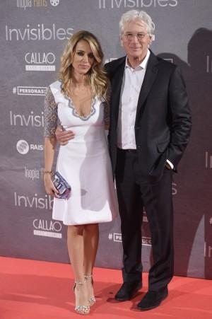Alejandra Silva y Richard Gere en el estreno de 'Invisibles'.