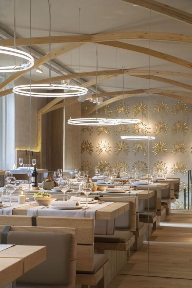 Sala del restaurante decorada por Tarrulla y Trenchs.