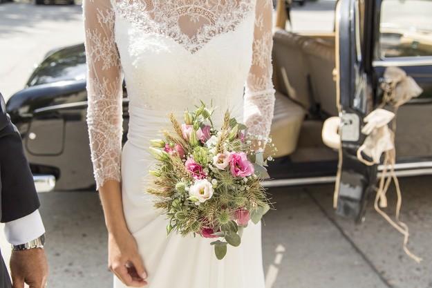 novia con ramo de novia