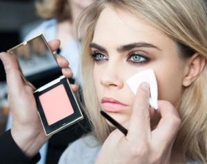 Los trucos de Cara Delevingne para cuidar su piel