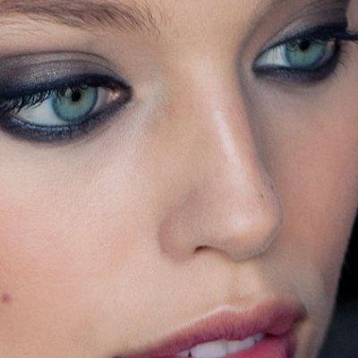 4 looks con eyeliner perfectos para invierno