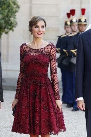 2b89d3c948 Letizia con uno de los vestidos de Felipe Varela que lució a lo largo de  2015
