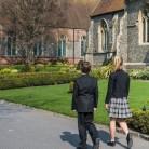 Un colegio inglés cambia sus uniformes por los estudiantes trans