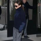 Victoria Beckham se pasa a las sneakers