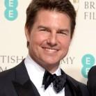 Tom Cruise estrena nueva cara en los BAFTA 2016
