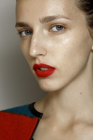 Labios rojos de Wu.