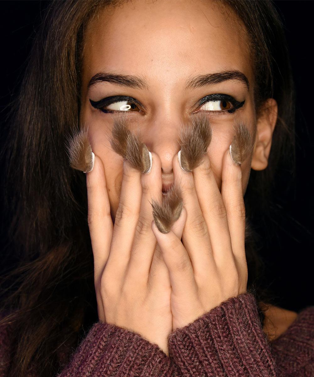 Uñas Peludas O Furry Nails La Tendencia De Belleza Que