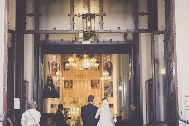 novia entrando en la iglesia