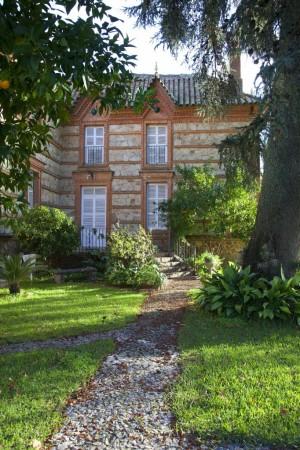 Una de las casas diseñadas por Aníbal González en Aracenilla.