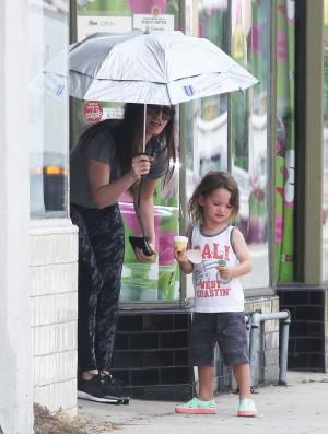 Megan Fox y su hijo Noah.