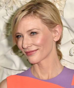 Cate Blanchett y sus patas de gallo sin complejos