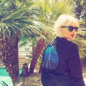 Taylor Swift estrena rubio platino en el Festival de Coachella