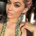 Peinados y maquillajes del Festival de Coachella que amarás llevar