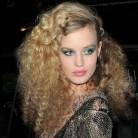 ¡De pelo liso a pelo rizado como Georgia May Jagger!