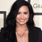 Demi Lovato no tiene six pack, ¿y qué?