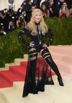 La Reina del Pop en la red carpet de la Gala MET.