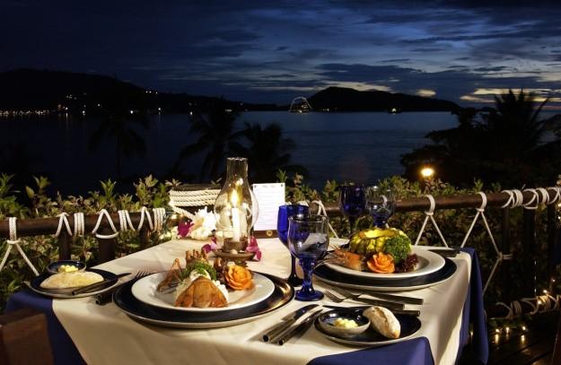 Cenas con paisajes impresionantes para disfrutar en pareja