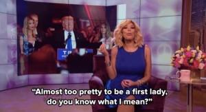 La presentadora Wendy Williams hablando de la belleza de Melania Trump en su programa de televisión.